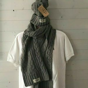 Brand New Ugg GrayCable-Knit Beanie Hat and Scarf